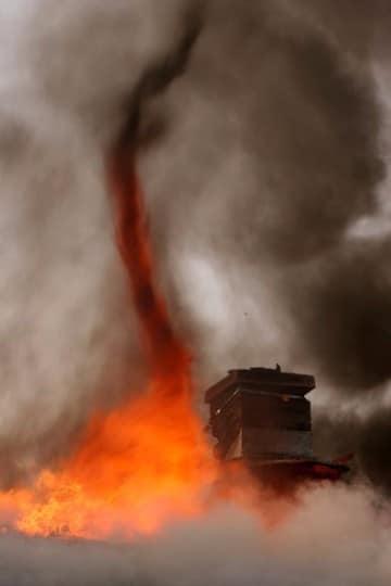 imagenes de tornados de fuego en brasil