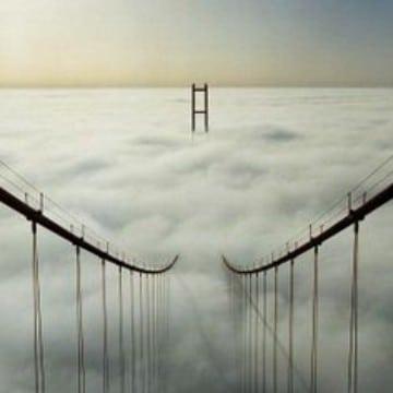 imagenes de puentes colgantes famosos