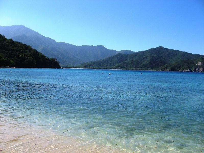 mejores playas de santa marta crystal