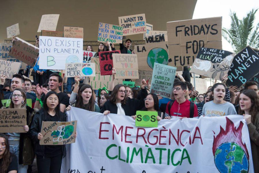pancartas sobre el medio ambiente en manifestaciones