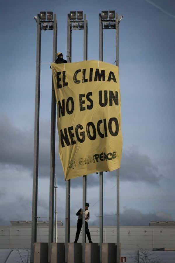 pancartas sobre el medio ambiente por parte de organizaciones