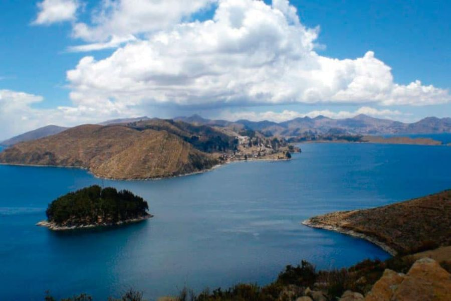 reserva nacional del lago titicaca zona de Bolivia